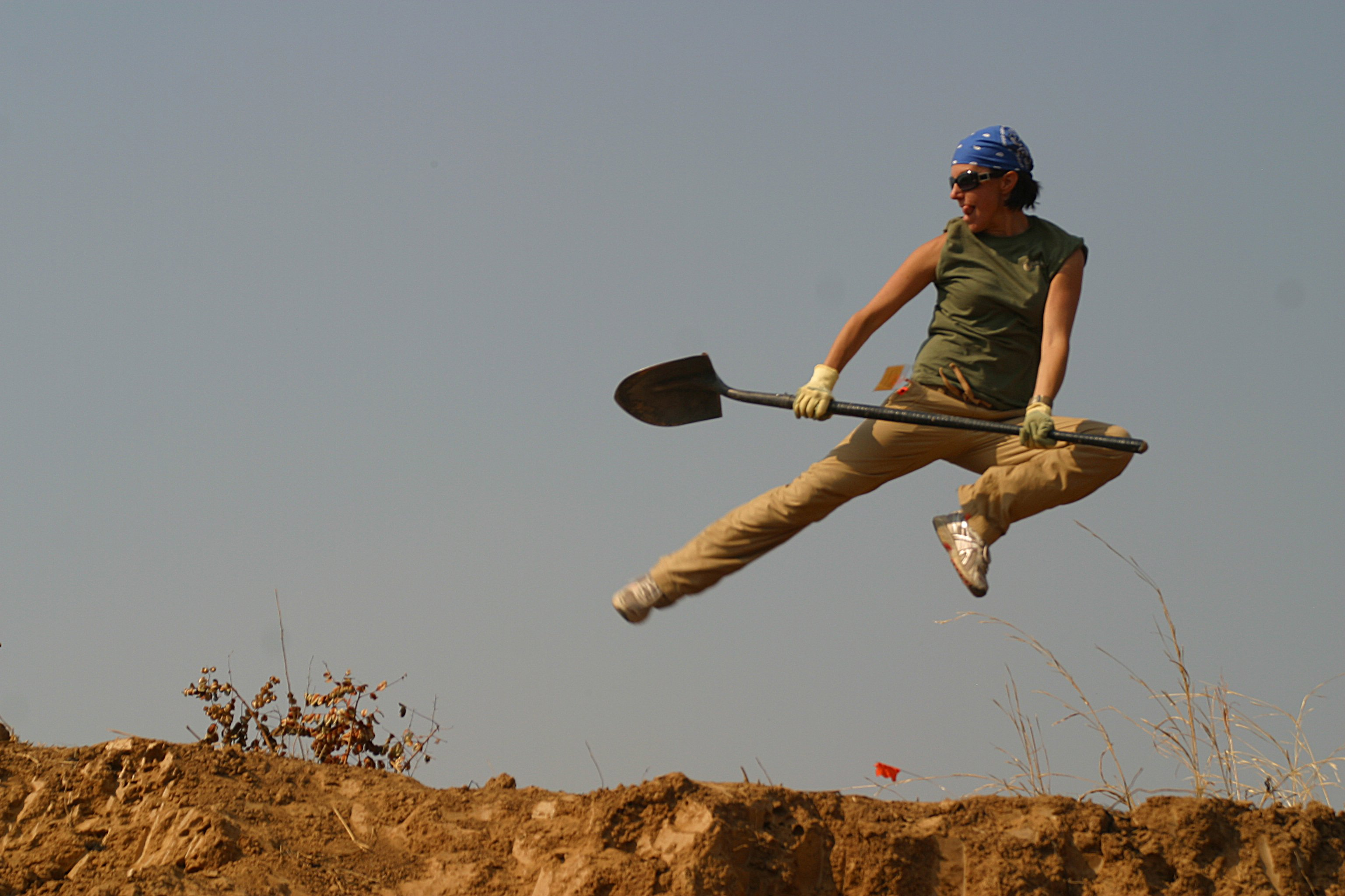 jumping shovel